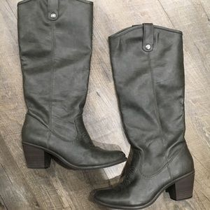 Charcoal brown knee high cowgirl boots wshort heel